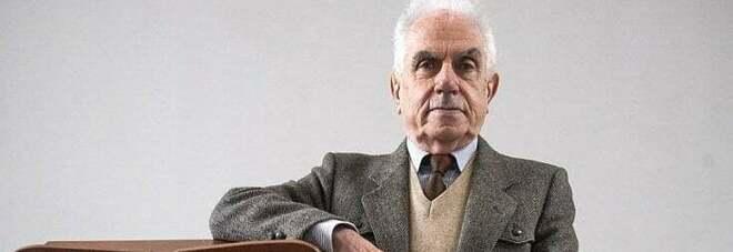 Mario Tronti compie 90 anni: «La società non ha più senso, preferisco il convento»