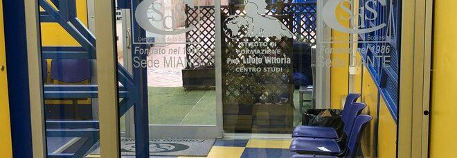Napoli, focolaio nel centro scoliosi di Miano: stop attività, test a tutti i dipendenti