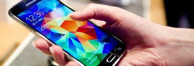 Tim, accordo con Intesa per acquisto servizi telefonia mobile