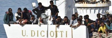 La nave Diciotti al porto di Catania: «Ma senza risposte Ue no sbarchi»