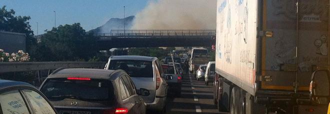 Salerno-Avellino, si ribalta autocisterna: raccordo chiuso su entrambe le corsie