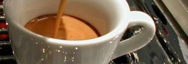 Nuovo anno, nuova stangata: aumenta anche il caffè al bar.