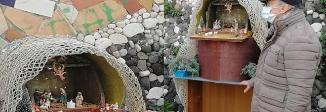 Napoli, il presepe coi rifiuti del mare per salvare la costa di San Giovanni