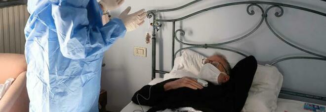 Covid, la colpa di contagiare: negli ospedali si cura la sindrome dell'untore