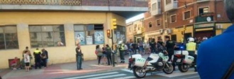 Auto a tutta velocità sui pedoni, tre feriti e due arresti a Saragozza