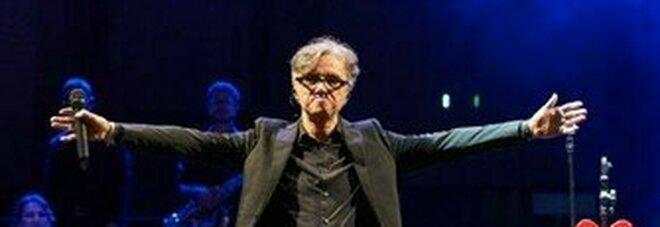 Gaetano Curreri, infarto sul palco a San Benedetto. «Operato nella notte, sta bene. Sempre cosciente