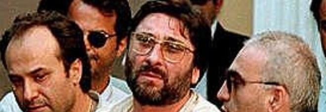 Sandokan, frasi in codice del boss in carcere: «Voglio tute del Napoli»