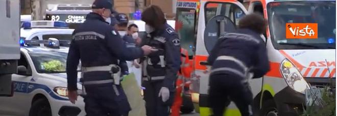 Genova, ragazza in monopattino travolta e uccisa da un tir: muore a 30 anni