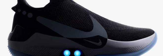 online store fa168 d61a4 Nike inventa la scarpa connessa allo smartphone: si allaccia ...