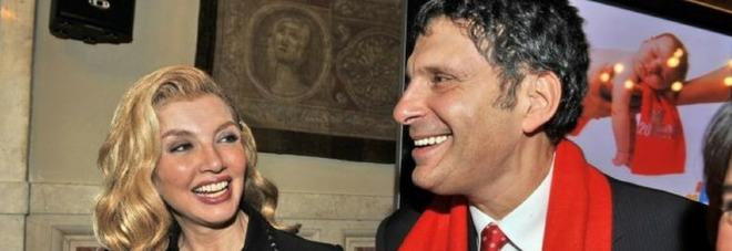 Domenica In, Milly Carlucci in lacrime nel ricordo di Fabrizio Frizzi da Mara Venier: «Una mancanza enorme»