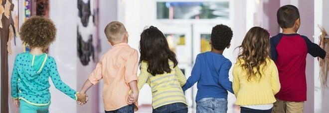 Brescia, bidello ai domiciliari per abusi sui bambini