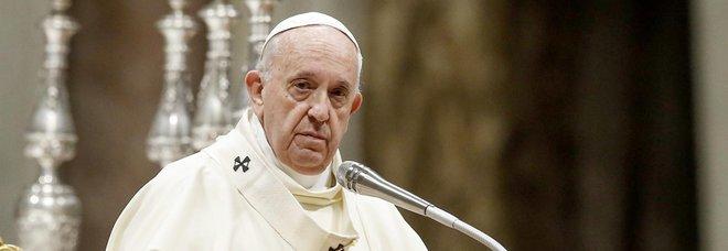 Pedofilia, via il segreto sui processi: ma in Italia per i vescovi non c'è obbligo di denuncia