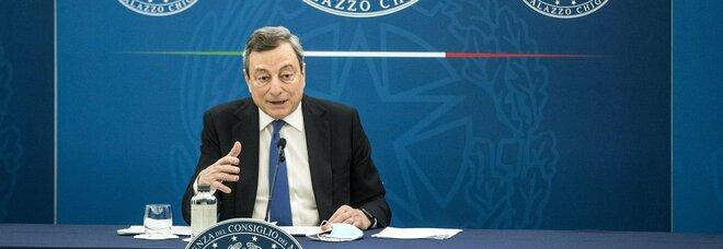 Mario Draghi: «Spostamenti, pass tra le regioni di colore diverso. Scuole aperte anche in zona arancio»