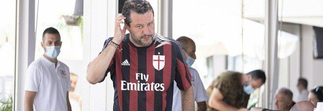 Salvini e le inchieste, nel Carroccio è processo al leader: Matteo non si discute ma cambi linea