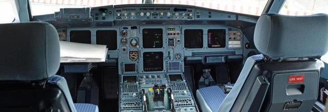«Probabilmente mi ucciderò», pilota sospeso per un messaggio