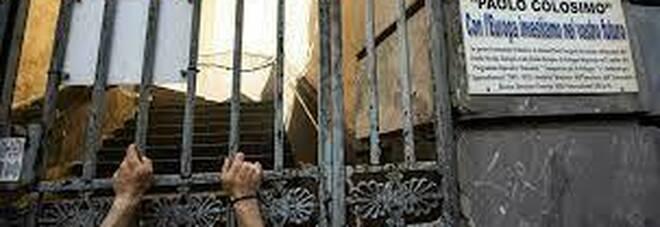 Napoli, protesta dei non vedenti: «Troppi esclusi dall'istituto Colosimo»