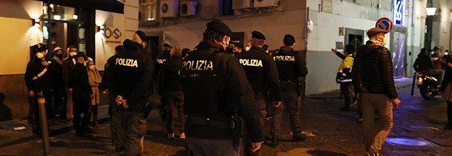 Covid a Napoli, «baretti» al setaccio: controllate 160 persone, 2 multe