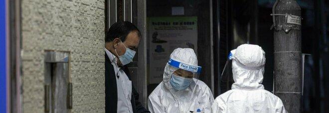 Covid in Cina, città in lockdown denuncia: «Siamo senza cibo né medicine, scorte al massimo per altri 3 giorni»