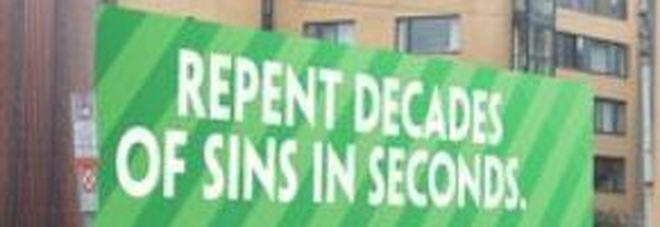 «Pentitevi dei peccati in pochi secondi», mega confessionale da 150 metri quadri per la visita del Papa a Dublino