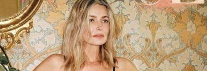 Paulina Polizkova posa nuda a 56 anni per Vogue