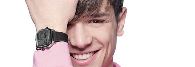 brillantezza del colore cerca il più recente limpido in vista A La Reggia Designer Outlet Sespo, idolo dei teenager ...