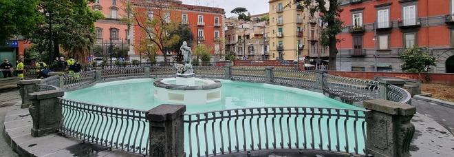 Napoli, torna in funzione la fontana del Tritone a piazza Cavour: era inattiva dal 2015