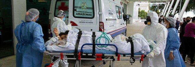 """Covid, cosa accade in Brasile? Oltre 850 bimbi morti """"ufficialmente"""" (ma sarebbero più del doppio)"""