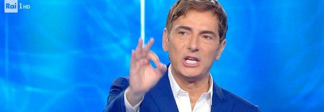 """Reazione a Catena, il concorrente va in """"tilt"""" in diretta e non parla più. Marco Liorni allibito: «Che succede?»"""
