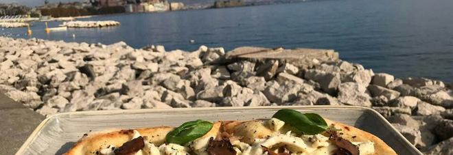La pizza è una cartolina di Napoli