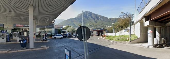 Cava de' Tirreni, spaccia crack in un'area di servizio, arrestato nocerino in trasferta