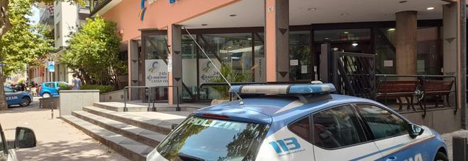 Salerno, dalle fogne al caveau della banca: colpo da 140mila euro della banda del buco