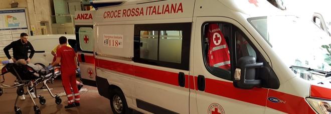 Napoli choc, infermiera trascinata per i capelli nel pronto soccorso