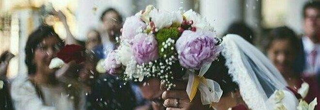 Focolaio al banchetto di nozze a Fermo, ma gli invitati non si trovano. I medici: «Fateci sapere chi c'era»