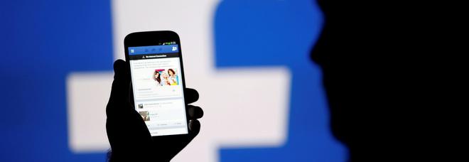 Facebook, cancellati 583 milioni di profili fake. Giro di vite anche contro il terrorismo