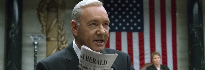 Kevin Spacey, accuse anche dalla troupe di House of Cards: