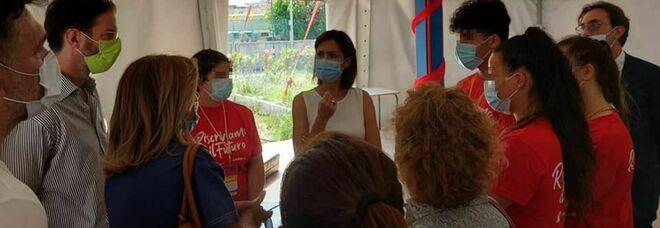 Mara Carfagna a Barra, l'appello per recuperare la scuola inagibile
