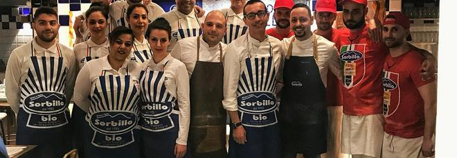 Gino Sorbillo sbarca a Roma folla all'inaugurazione