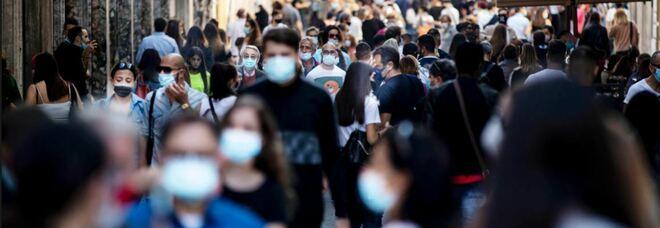 Covid, mascherine salvavita anche con vaccino: lo studio Usa