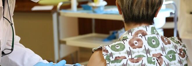 Vaccini agli under 30 arrivati fino all'85%, ma è flop sui «booster»