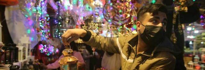 Palestina, il Covid non ferma le tradizioni del Ramadan