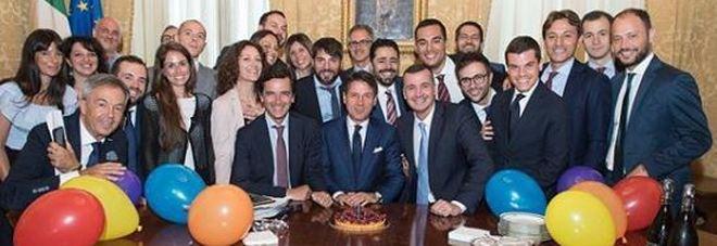 Il premier Conte compie 54 anni: festa a sorpresa a Palazzo Chigi