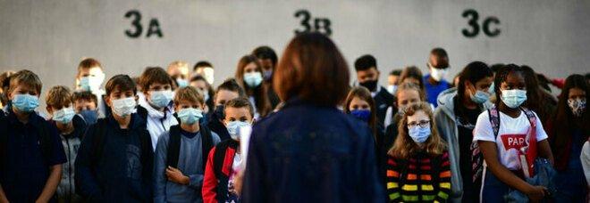 Scuola e Covid, Conte all'Azzolina:  «In aula dal 7 gennaio, poi non si chiude più»
