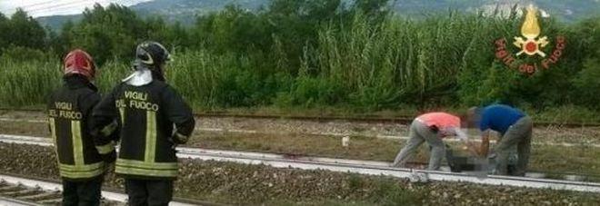 treno uccide due bambini calabria brancaleone