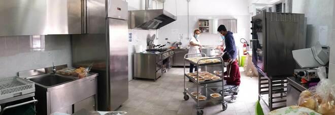 Solidarietà, l'istituto Ferraioli dona i pasti preparati dagli studenti alla caritas diocesana di Napoli