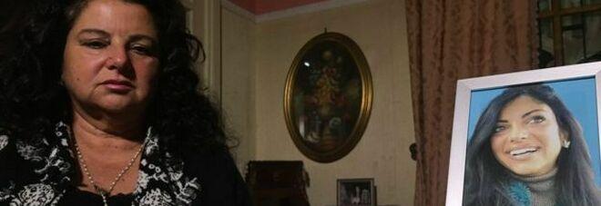 Tiziana Cantone, la madre denuncia: «Pressioni per cambiare avvocati»