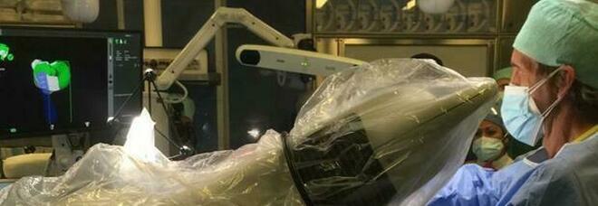 Pescara, intervento doppio con robot «Da Vinci»: guarita donna di 46 anni