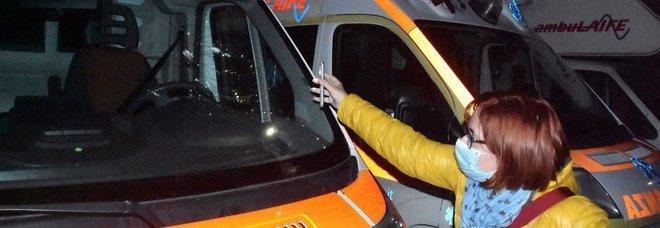 L'assalto dei vandali, danneggiate quattro ambulanze: le indagini