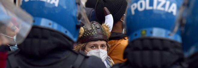 Il movimento IoApro in piazza a Roma, sit-in non autorizzato: oltre 50 identificati