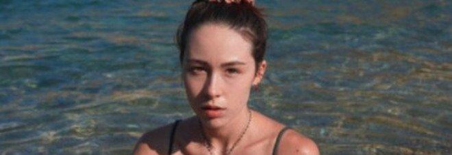 Aurora Ramazzotti e il catcalling: «I commenti peggiori dalle donne. Dicevano: 'ma chi ti guarda?'»