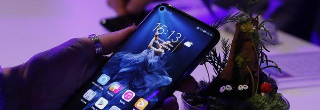 Huawei, grana Facebook: l'app non sarà più preinstallata sui telefoni cinesi